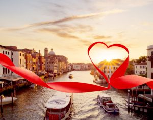 День влюбленных в разных странах мира: что дарят и как празднуют.