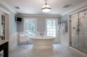 Ванная комната в доме: красивый интерьер.
