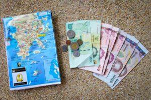 Семь проверенных способов осень сэкономить в путешествии.