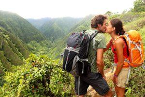 Совместные путешествия с партнером положительно влияют на отношения.
