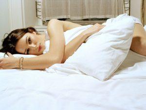 5 причин спать обнаженной.