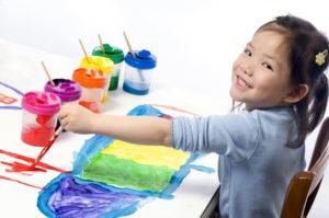 Рисование красками для детей.